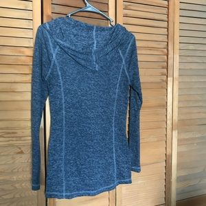 Old Navy Sweaters - Old Navy light pull over